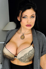 Aletta With Two Cock 00