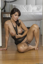 Ava Dalush 07