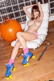 Danielle Sharp 04