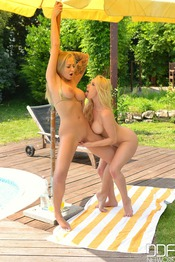 Kayla Green And Victoria Summers: Lesbian Lickers 16