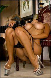 Nude Priya Rai  09