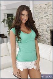 Karina White 00