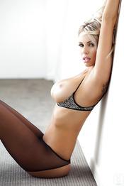 Magnificent Babe Devin Justine 01