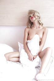 Curly-haired Blonde Alice 13