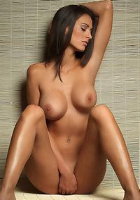Sexy Babe Susanna Posing Nude