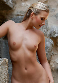 Hot Blonde Girl Stephanie Naked Outdoors