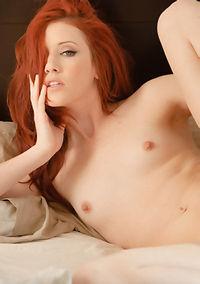 Gorgeous Redhead Girl Elle Alexandra Spreads Pussy