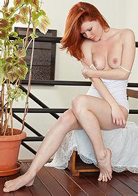 Sexy Young Redhead Girl Mia Sollis