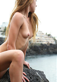 Naked Sexy Maria By The Sea