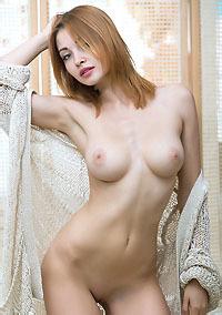 Naked Valeria