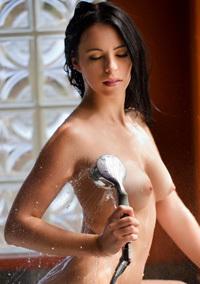 Veronica Radke Splashes Around In The Tub