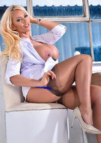Busty Blonde Pornstar Lucy Zara