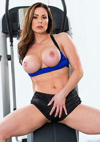 Sporty Mature Babe Kendra Lust Strips In The Gym