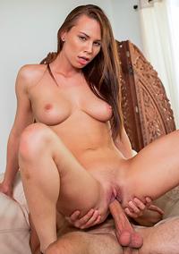 Young Hottie Aidra Fox Takes Cum On Her Ass