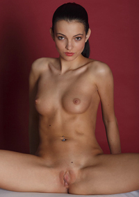 Gorgeous Teen Model Sapphira Poses Naked
