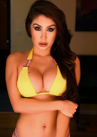 Serina Shows Off Her Perfect Curves