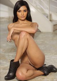 Sexy Latin Babe Shazia Sahar