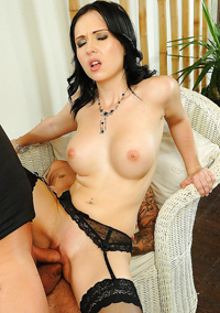 Busty Cocksucker In Stockings Angell Summers