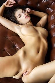 Buxom Russian babe Evita Lima