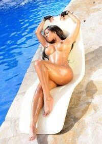 Ebony Babe Claudia Sunbathing