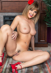 Hot Blondie Dillion Harper